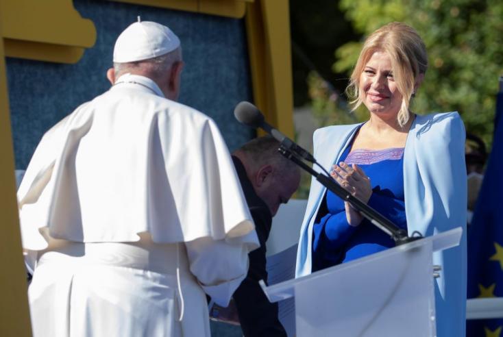 Čaputová rengeteg ajándékkal lepte meg a pápát, az egyik közülük egy dunaszerdahelyi cégtől érkezett