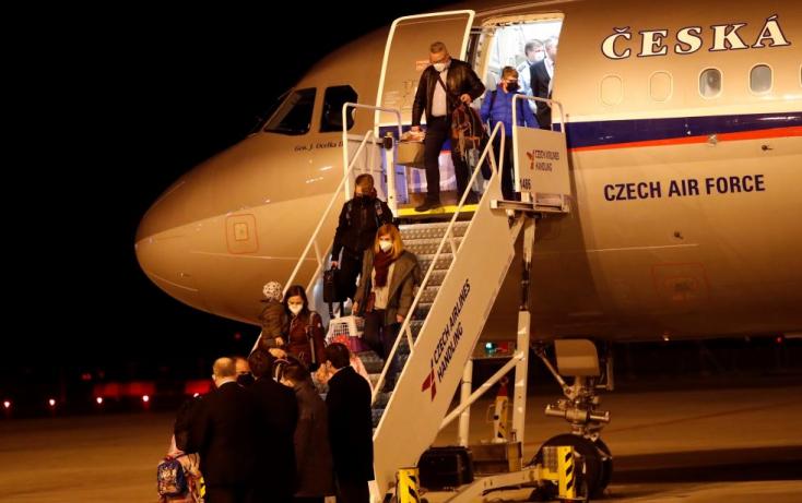 Pár éve az oroszok felrobbantották a csehek lőszerraktárát, most meg megbénítottáka moszkvai cseh nagykövetség működését. Mi jöhet még?