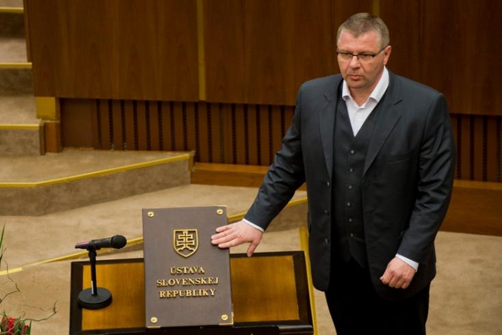 A dunaszerdahelyi Csicsai Gábort ismét államtitkárnak nevezik ki