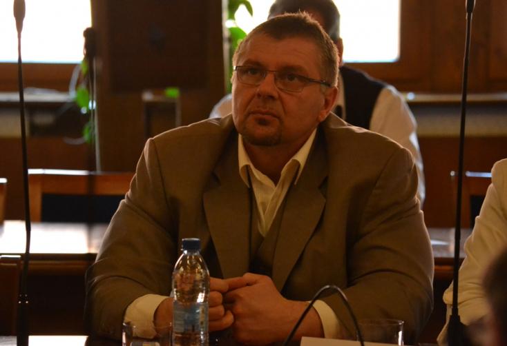 Csicsai, Pfundtner és Vörös bekerülhet a parlamentbe