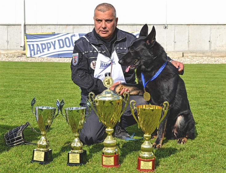 Csicsay Csaba és Ogar tarolt a nagyabonyi rendőrkutyaversenyen!