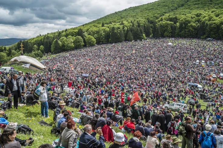 Százezrek imádkoztak a csíksomlyói búcsún