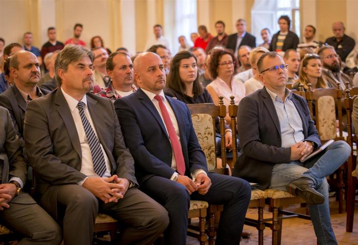 Október végéig pályázhatnak a felvidéki vállalkozók a Baross Gábor fejlesztési programban
