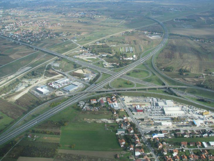 Felborult egy migránsokat szállító kamion Horvátországban, többen meghaltak