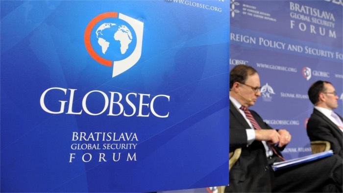 Ismert politikusok és nagyvállalatok képviselői mellett virtuálisan a pápa is jelen lesz a pozsonyi GLOBSEC konferencián