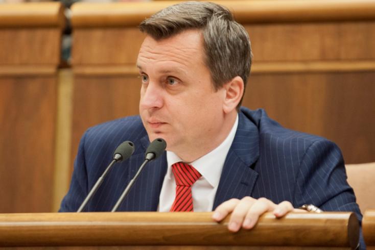 """""""Arcon köpték az összes bátor katonát"""" - reagált Matovič Danko óriási előléptetésére"""