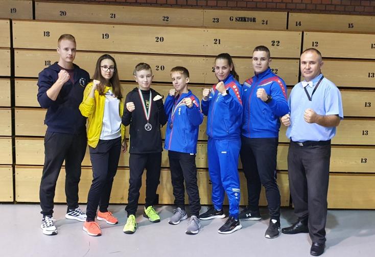 A Seishin Karate Klub három indulójából ketten dobogóra álltak Debrecenben