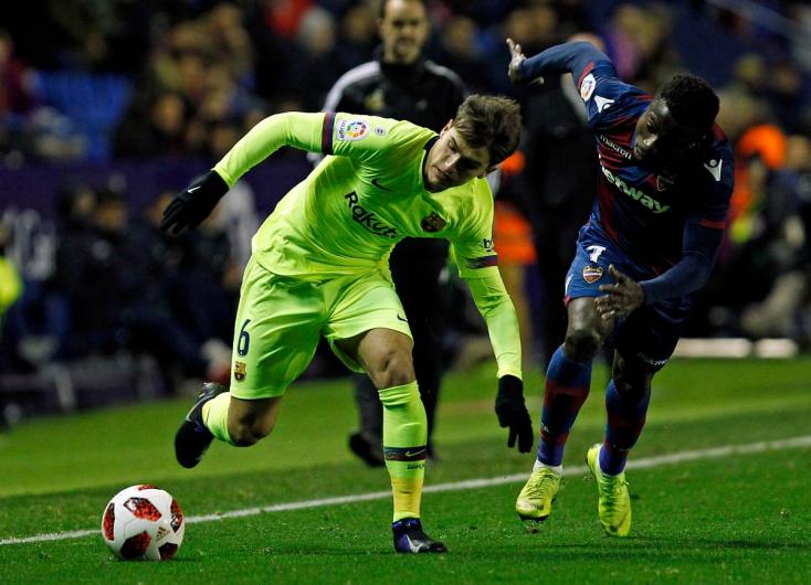 Az Arsenal kölcsönvette a Barcelonától Denis Suárezt