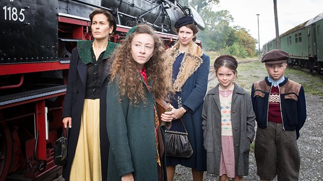 Tévésorozat készült gyerekeknek a második világháborúról és a holokausztról