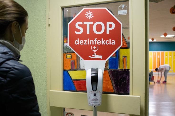 """Dunaszerdahely """"kipirosodott"""", és már csak két járásban """"fekete"""" a járványos helyzet"""