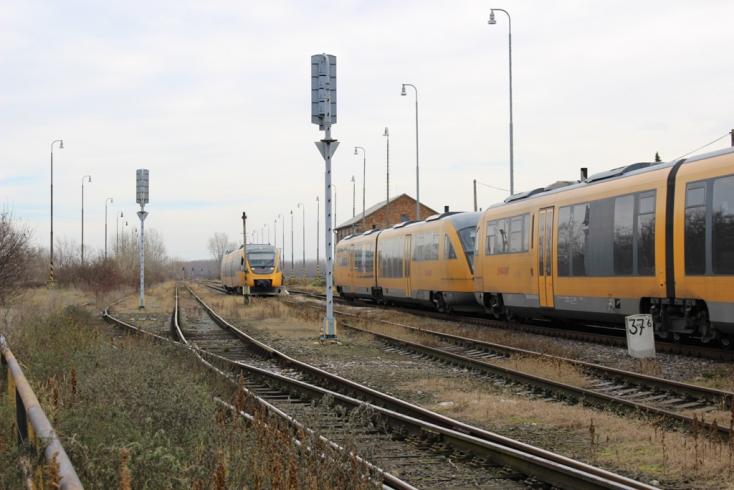 Tíz napon át vonatpótló buszok helyettesítik a RegioJet járatait Dunaszerdahely és Komárom közt