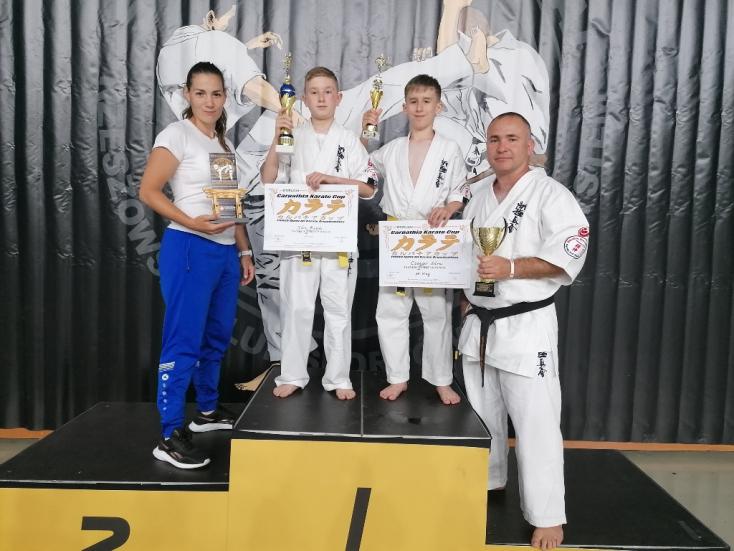 Két fronton egyszerre versenyeztek a Seishin Karate Klub harcosai
