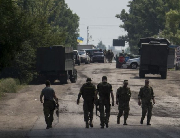 A szomszédban nem ért véget a háború, az oroszbarát fegyveresek egy katonaorvost is megöltek