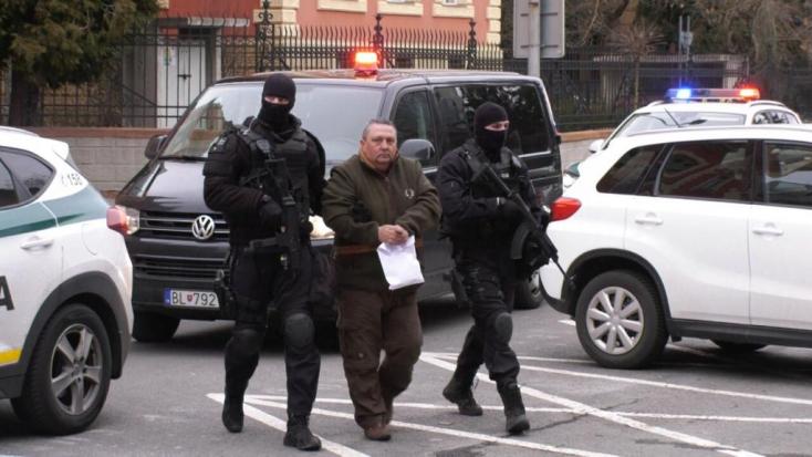 MAFFIA: Vizsgálati fogságba helyezték az alsóhatári polgármestert