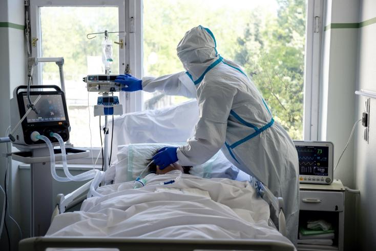 Koronavírus: Meghalt 207 ember, 2527 új fertőzöttet azonosítottak Magyarországon