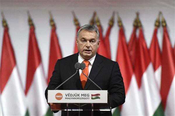 Orbán marad a Fidesz elnöke