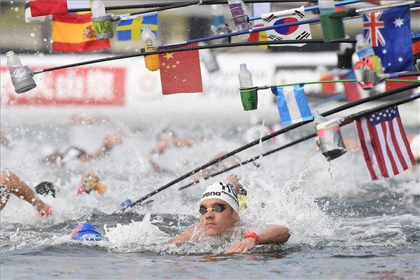 Vizes vb - Az 5 kilométeren aranyérmes magyar úszó negyedik lett 10 kilométeren, olimpiai kvótás