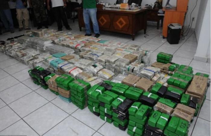 Lecsaptak a maffiaként működőóbudai drogdílerekre