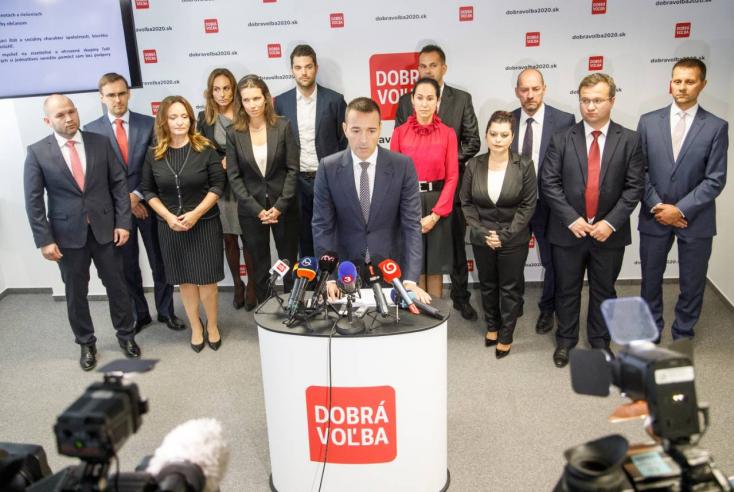 Drucker bemutatta csapatát, Cséfalvay Katalin is benne van