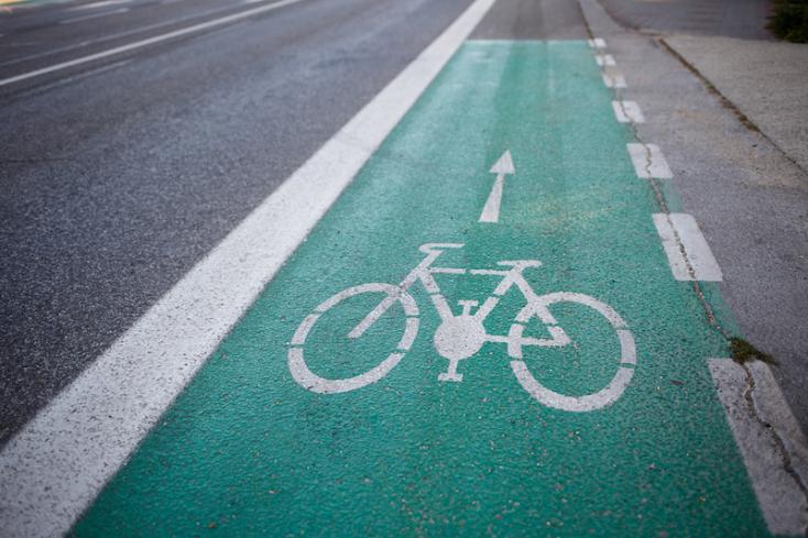 Kerékpárutat építenek a vasútállomás és a városközpont között