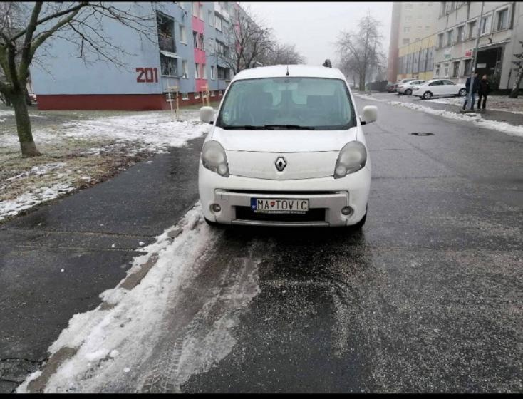 Dunaszerdahelyen nem akármilyen kampányautóval tolják Matovič szekerét