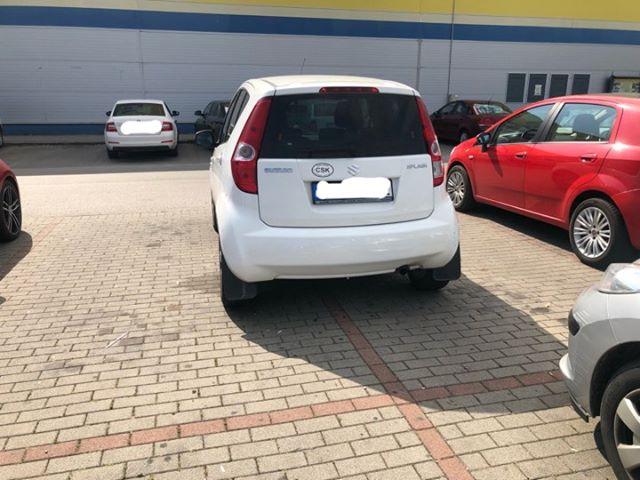 Dunaszerdahelyen még nagyon hétfő van a normális parkoláshoz