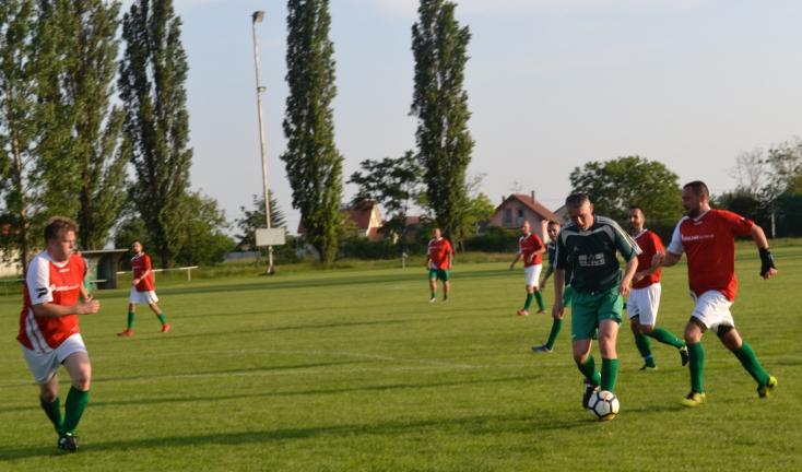 Öregfiúk focija: A nyári szünet után patonyföldi rangadó