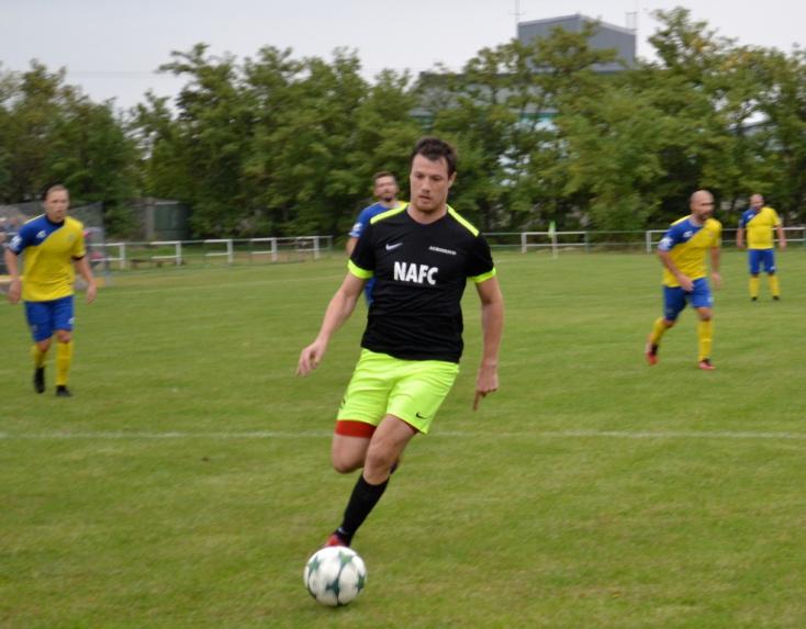 Nyugat-szlovákiai V. liga, déli csoport, 8. forduló: Ősszel először hullajtottak el pontokat a csenkeiek