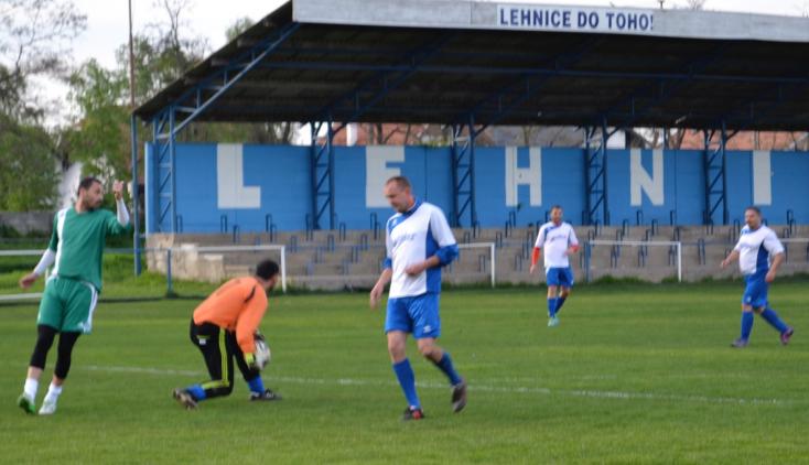 Öregfiúk focija: Már a helyosztókra gondolnak a csapatok