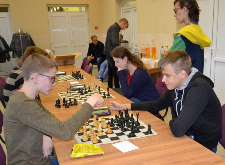 A Dunaszerdahelyi járás legjobb diáksakkozói versenyeztek egymással