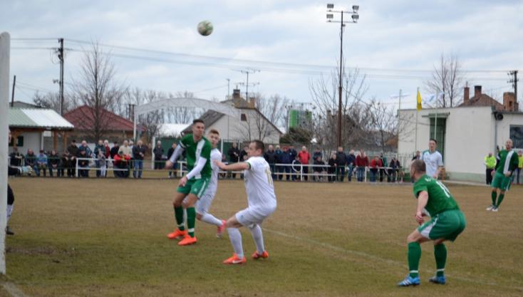 Nyugat-szlovákiai V. liga, déli csoport, 16. forduló: Miklós-tripla, nagyabonyi tarolás