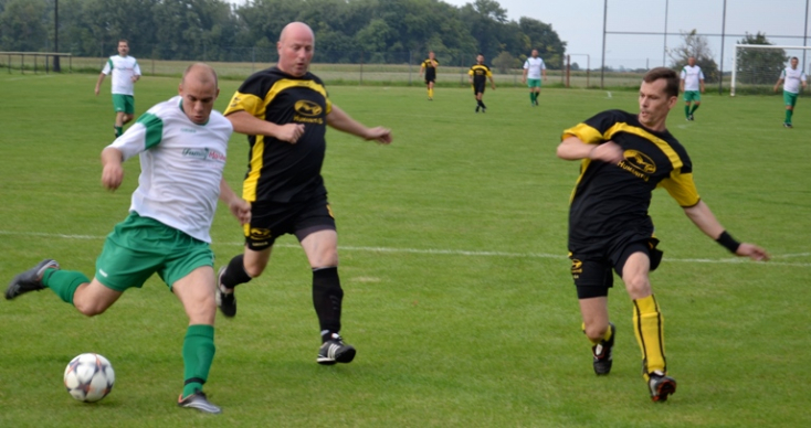 Öregfiúk focija: A gellei Simon Olivér mesternégyese