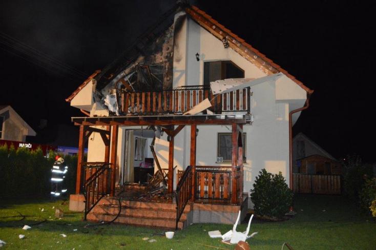 Magára gyújtotta a házát egy férfi Egyházgellén
