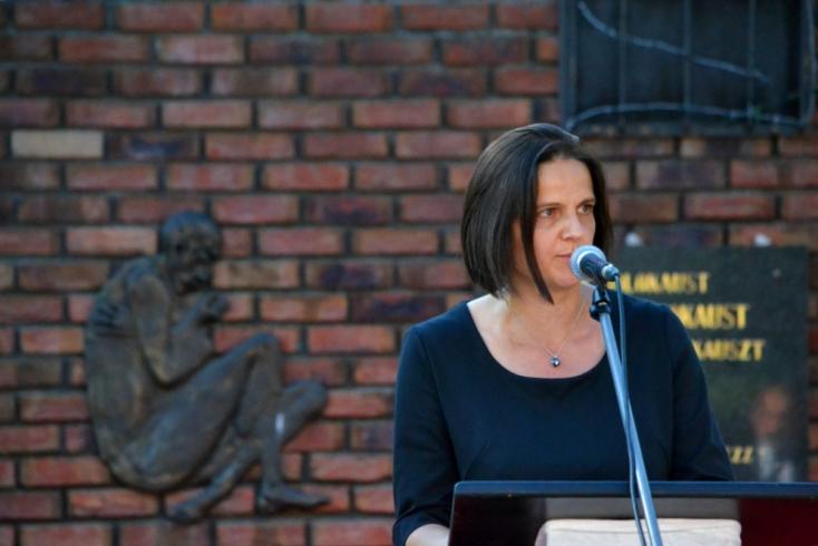 """""""A roma holokauszt nem megaláztatás, hanem mészárlás volt"""" – Kolíková Dunaszerdahelyen emlékezett"""
