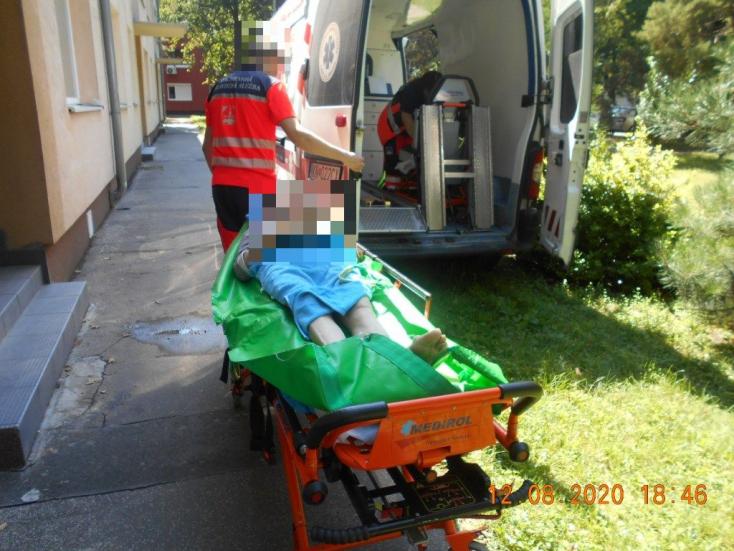 Idős férfi életét mentették meg a dunaszerdahelyi városi rendőrök