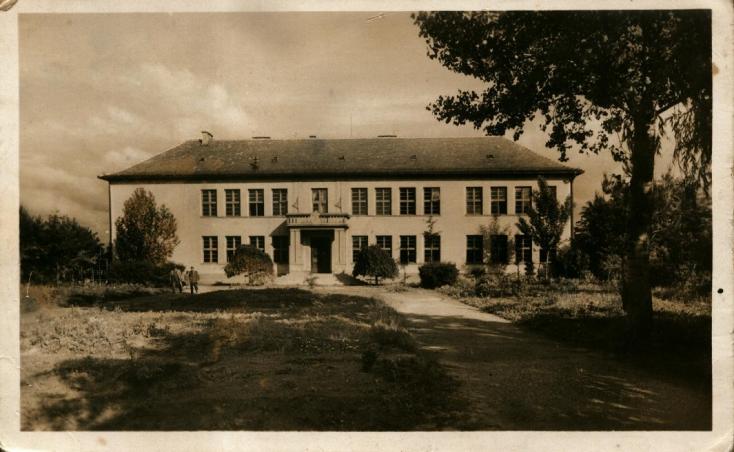 A dunaszerdahelyi gimnáziumi tanfolyam első tanárai