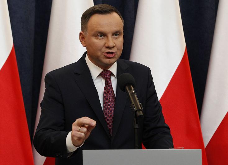 """""""Lengyelország nem vett részt a holokausztban"""""""
