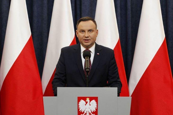 Letette a hivatali esküt Andrzej Duda újraválasztott lengyel államfő