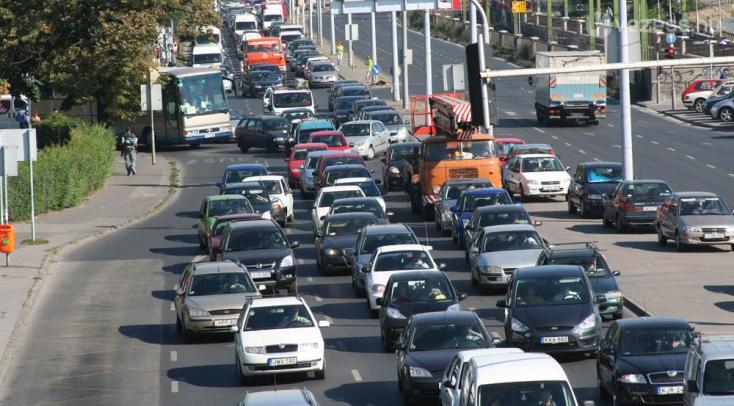 Pozsonyba ingázók, itt a közlekedési világvége!Az első félév kritikus lesz