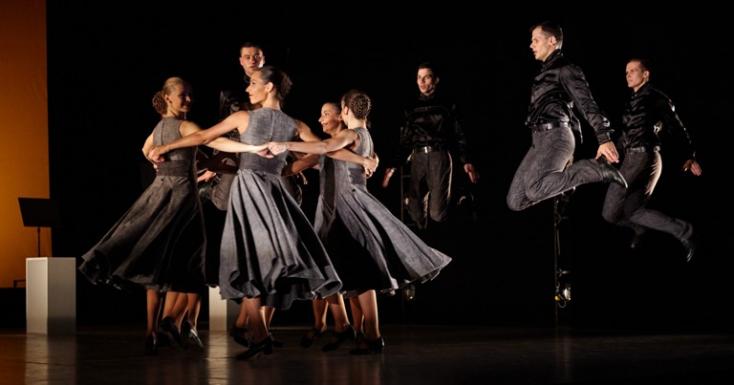 Nemzeti tánc az Ifjú Szivekben
