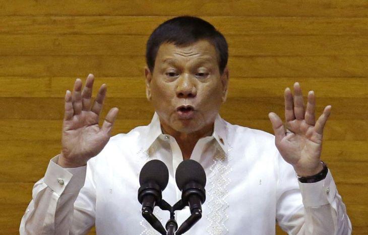 Duterte kész felelősséget vállalni a Fülöp-szigeteki kábítószerellenes kampány áldozataiért