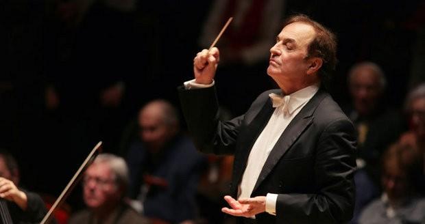 Újabb neves karmestert vádolnak szexuális zaklatással