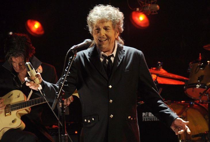 Bob Dylan a legidősebb, akinek új albuma a brit slágerlista élére került