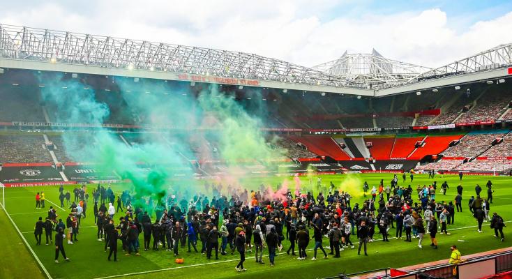 Jövő csütörtökön lesz a szurkolói rendbontás miatt elmaradt MU-Liverpool mérkőzés