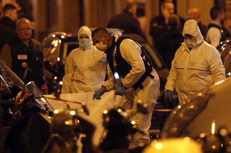 TERROR: Késsel támadt járókelőkre egy férfi Párizsban