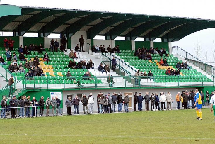 A Nagyudvarnok kilépését követően 15 csapat maradt az AG Sport Ligában