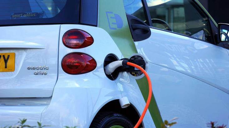 Elektromos autót vásárol a rozsnyói önkormányzat