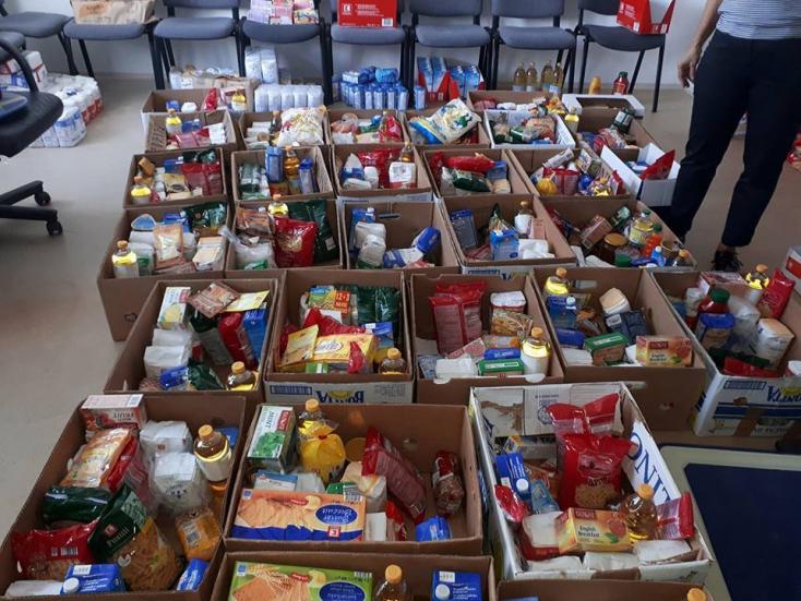 273-an adományoztak élelmiszert Dunaszerdahelyen és Somorján
