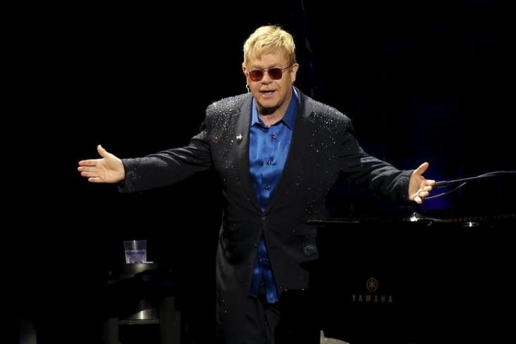 Becsületrendet kap Elton John