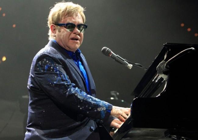 Életrajzi film készül Elton Johnról